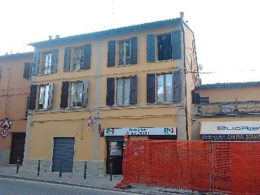 Rifacimento e rinforzo strutturale della facciata di un condominio a Riale di Zola Predosa